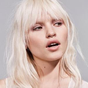 Почему естественный макияж заставляет нас ненавидеть себя