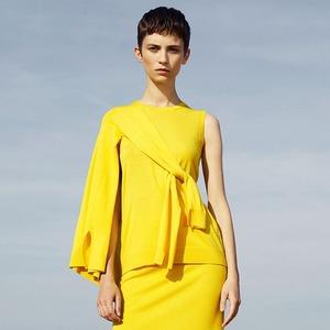 Что носить летом: 10 образов со всеми оттенками жёлтого