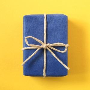 Как упаковывать подарки: 10 видеоуроков