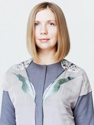 Администратор салона Надежда Шаурина  о любимых нарядах