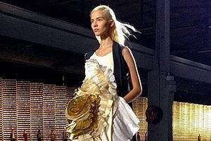Главные показы  второго дня  Paris Fashion Week