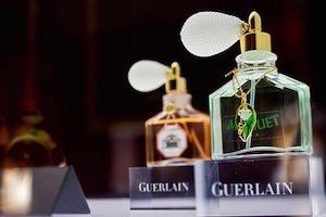 В Большом театре открылась выставка Guerlain