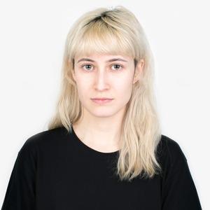 Иллюстраторка и киберактивистка Ника Водвуд о феминизме и любимой косметике