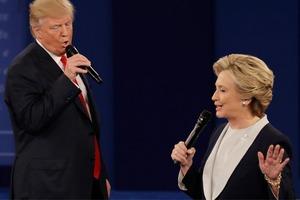Дебаты Клинтон и Трампа превратили в караоке-вечеринку