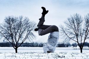 Йога на снегу в снимках из Instagram
