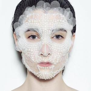 Жемчуг, золото, кабуки:  10 смелых макияжей  Недели моды в Нью-Йорке