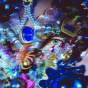 «Я — это уже не я»: Художник Дима Шабалин о масках на стыке моды и искусства