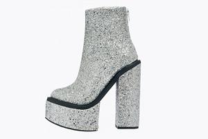 Бескомпромиссные глэм-ботинки Jeffrey Campbell