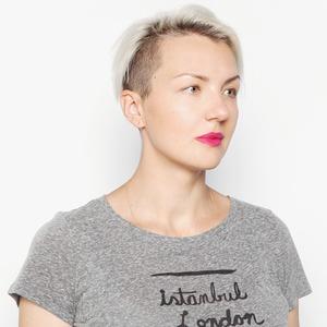 Переводчица Ольга Лукинская о бодипозитиве  и любимой косметике