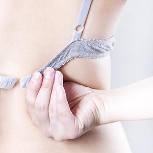 Размер имеет значение: Почему большая грудь — это большая проблема