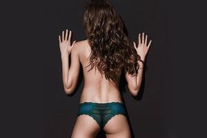 Victoria's Secret объявили фотошоп-войну женским ягодицам