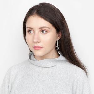 Студентка Элли Кичик об отношениях с внешностью и любимой косметике
