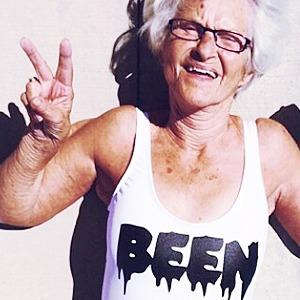 Новое имя:  Модная пенсионерка  Бадди Винкл
