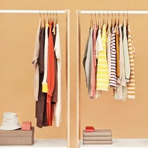 Капсульный гардероб: Как собрать универсальный комплект одежды