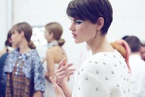 Парижская неделя моды: Показы Chanel, Valentino, Alexander McQueen и Paco Rabanne
