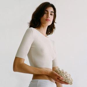 Вазы, туфли и идеальные летние платья: Испанская марка Paloma Wool
