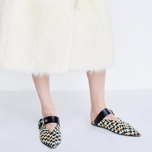 Главная обувь лета:  Мюли на плоской подошве