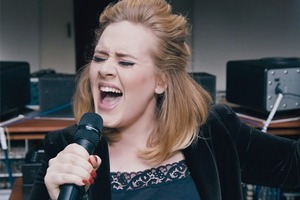 Адель отказалась от «Грэмми» за лучший альбом в пользу Бейонсе