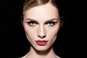 Make Up For Ever показали рекламную кампанию с Андреей Пежич