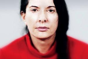 Марина Абрамович устроила перформанс с Леди Гагой