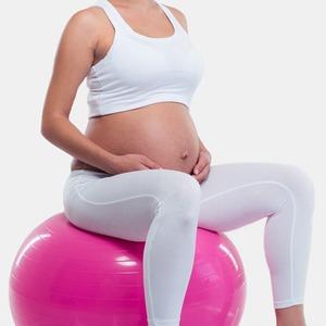 За двоих: 10 YouTube-тренировок для беременных