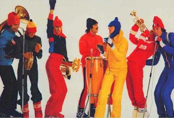Форменный стиль: Лыжники, скейтеры, черлидерши и другие законодатели моды. Изображение № 47.