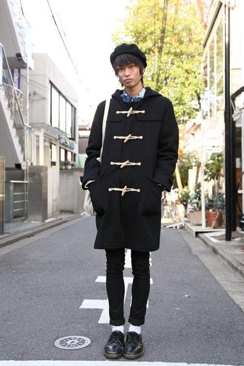 Красные шапки и бархатные ботинки на улицах Токио. Изображение № 8.