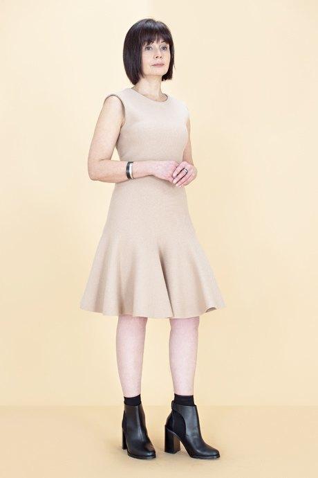 Женщины старше 50 примеряют модные образы. Изображение № 22.