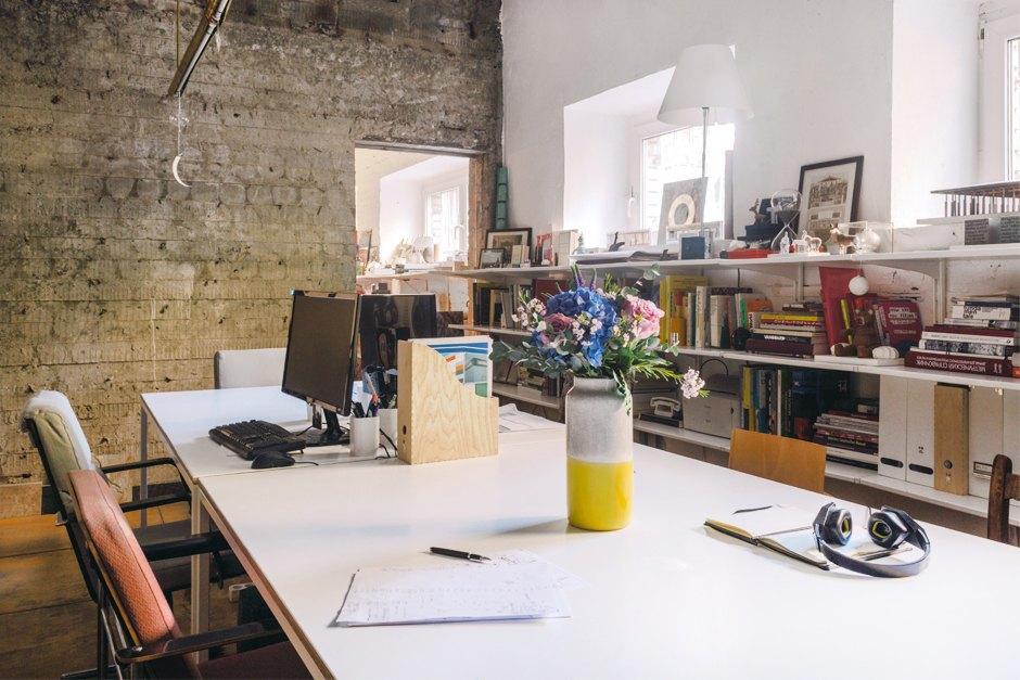 Архитектор Nowadays Ната Татунашвили всвоём офисе. Изображение № 1.