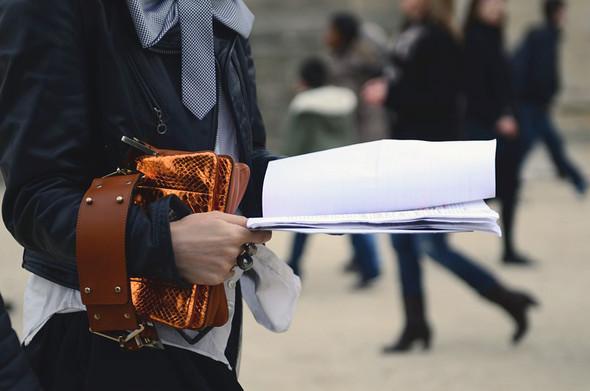 Неделя моды в Париже: Streetstyle. Изображение № 11.