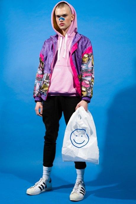 Питерская марка E404: Треники, футболки и худи с надписями. Изображение № 3.