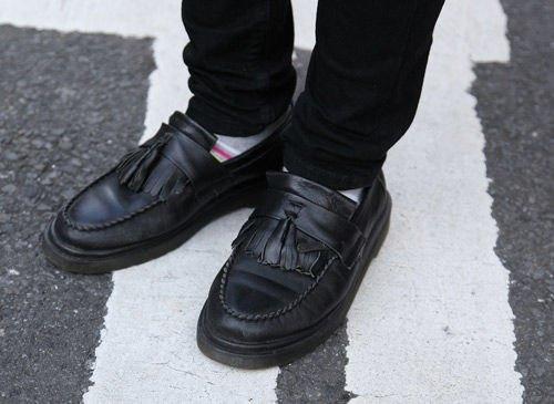 Красные шапки и бархатные ботинки на улицах Токио. Изображение № 33.