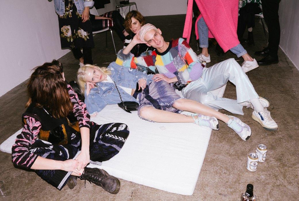 Бедные и клевые: Другая жизнь на Неделе моды в Париже. Изображение № 10.