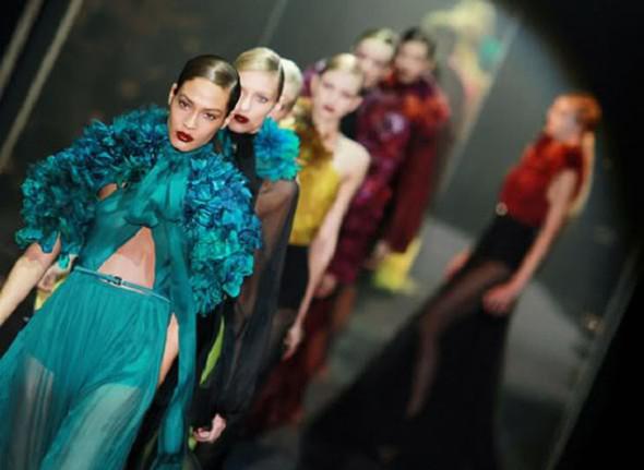 Онлайн-показ Gucci SS 2012. Изображение № 1.