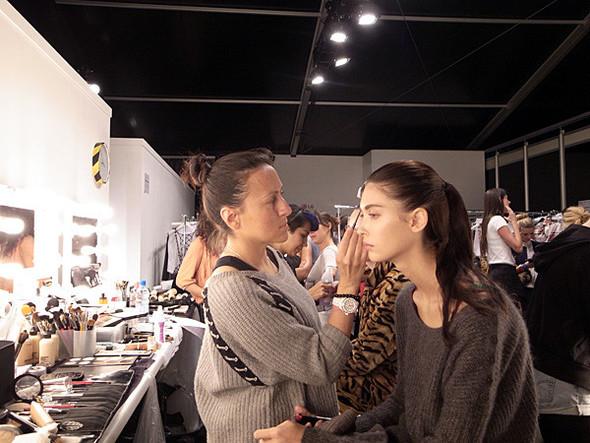 London Fashion Week: Бэкстейдж Danielle Scutt. Изображение № 8.