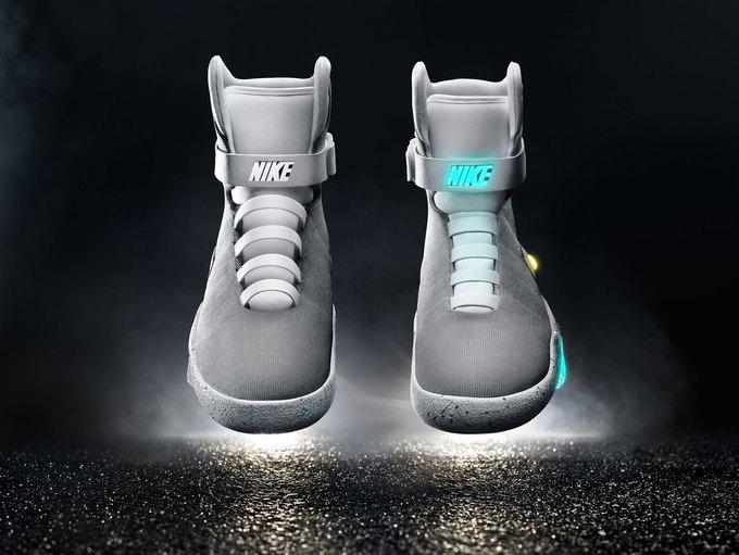 Nike сделали кроссовки  с автошнуровкой  из «Назад в будущее». Изображение № 3.