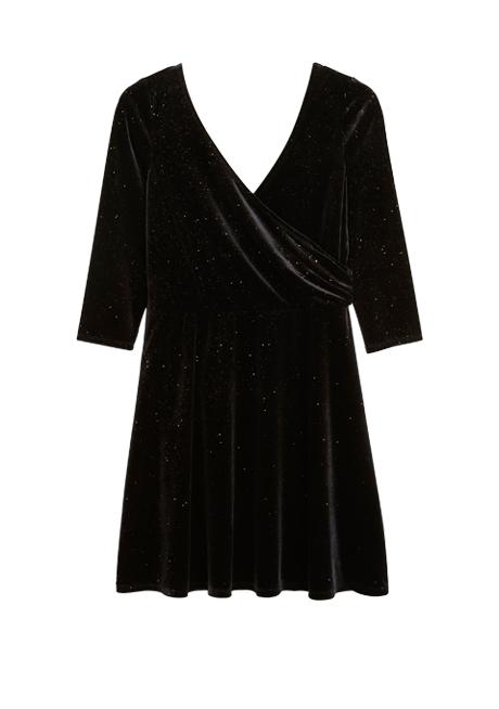 Воланы, бархат, блёстки: 20 красивых и недорогих платьев для Нового года. Изображение № 24.