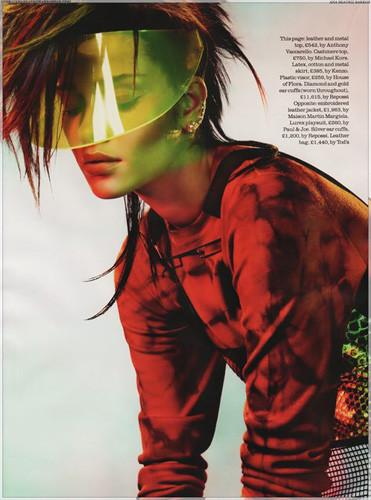 Ана Беатриc Баррос для британского Elle. Изображение № 16.