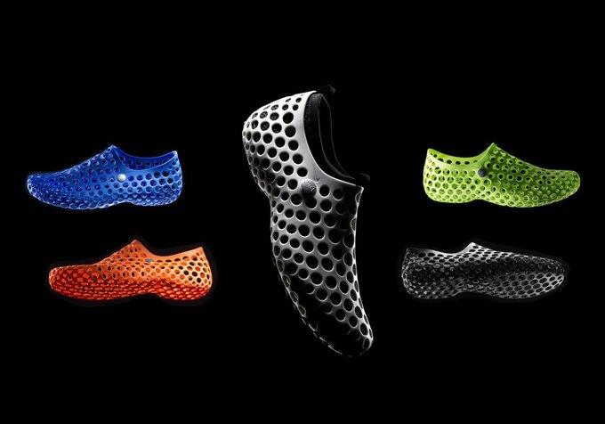 Nike вновь выпускают кроссовки, созданные Марком Ньюсоном. Изображение № 1.
