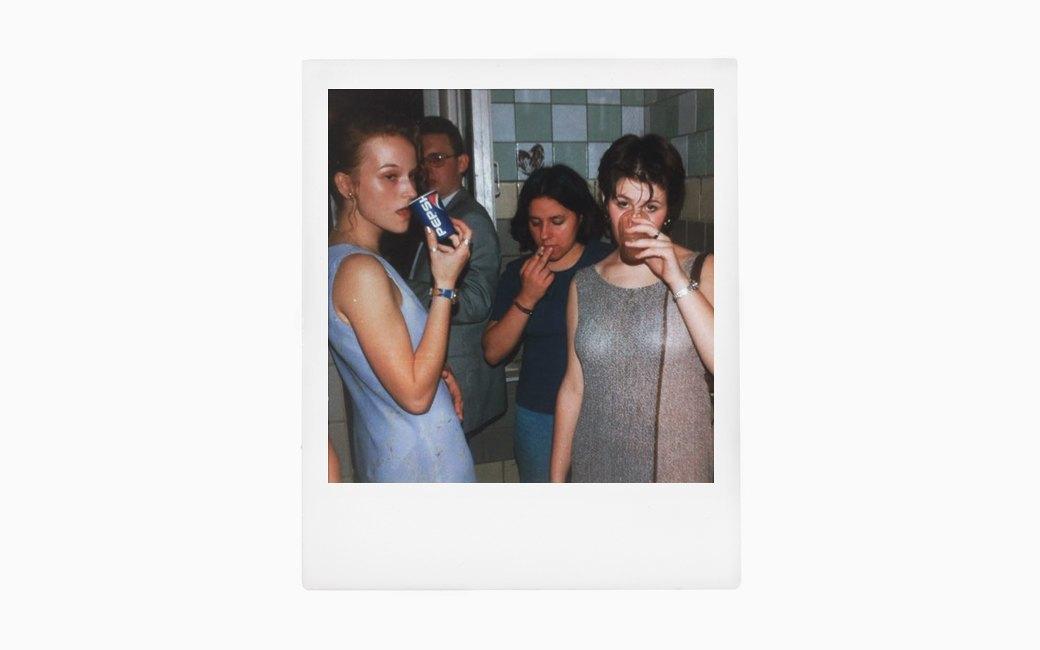Вспомнить всё:  Девушки о своих  выпускных платьях. Изображение № 3.