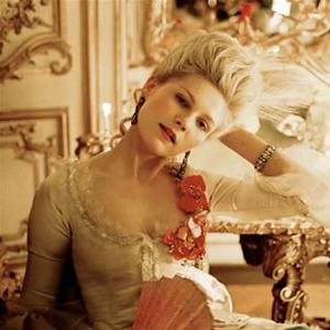 Парижская неделя моды: Показы Chanel, Valentino, Alexander McQueen и Paco Rabanne. Изображение № 19.