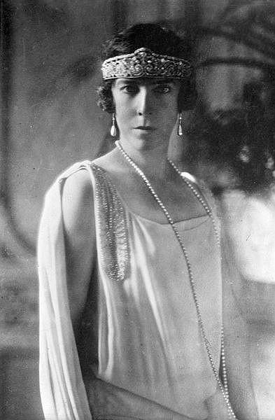 Елизавета Баварская, королева Бельгии. Изображение № 7.
