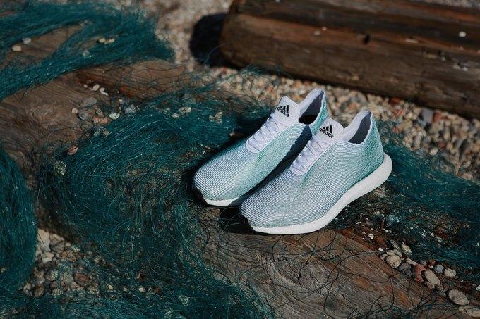 adidas показали кроссовки из переработанного океанического мусора . Изображение № 4.
