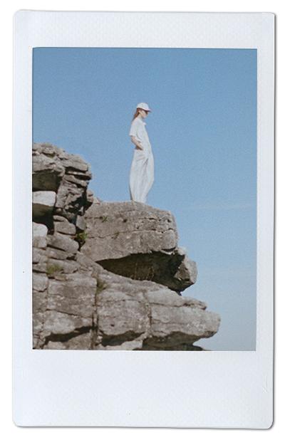 Фотопринты и перфорация на одежде Steven Tai. Изображение № 7.