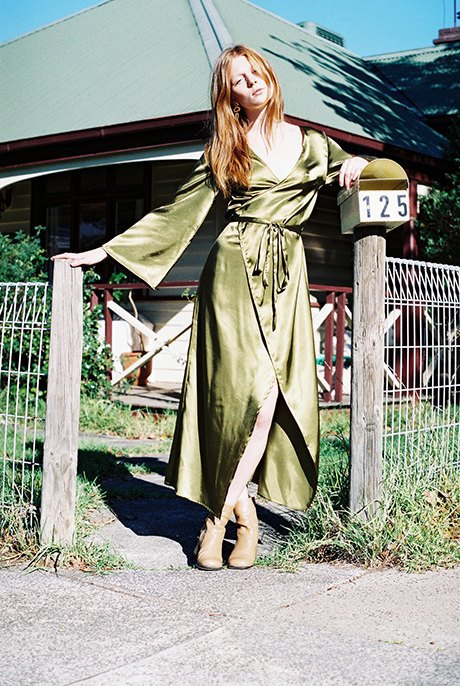 Австралийская марка Oats: Шёлковые блузы и платья  в стиле 70-х. Изображение № 3.