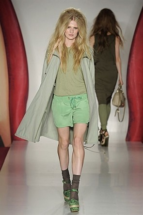 London Fashion Week: Jonathan Saunders и Mulberry. Изображение № 19.