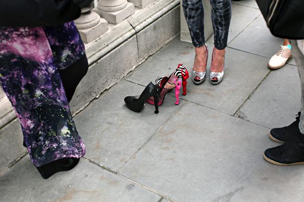 Streetstyle: Неделя моды в Лондоне, часть 1. Изображение № 15.