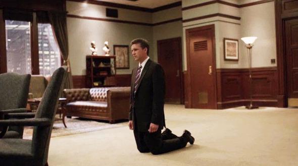 Эпизод 7. Последним ударом Кейна становятся фотодоказательства измены казначея. Зейджак ломается. Изображение № 49.
