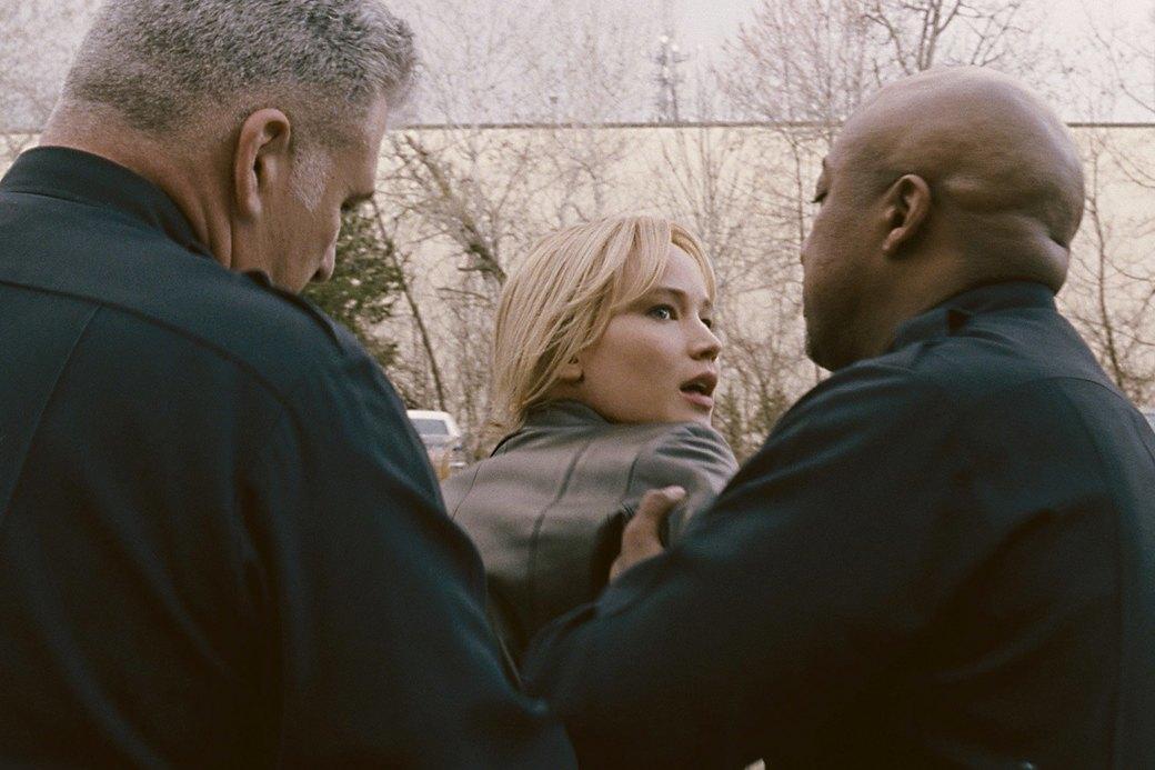 Джен Ло в «Джой»: Путь к «Оскару»  со шваброй наперевес. Изображение № 12.