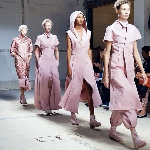 Главные показы  первого дня Paris Fashion Week. Изображение № 4.